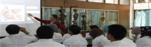 Suasana Teaching yang Kondusif Tentiran terdiri dari tentiran bebas dan tentiran saat praktikum yang diberikan oleh Dosen dan Asisten Laboratorium